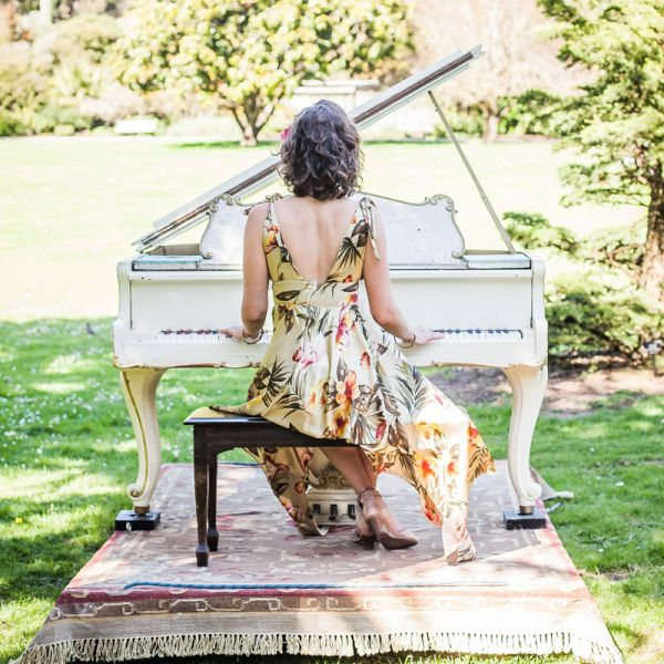 Picture of a woman playing the piano - weekend
